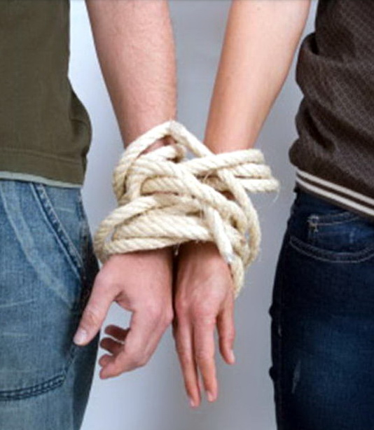 hands rope cr